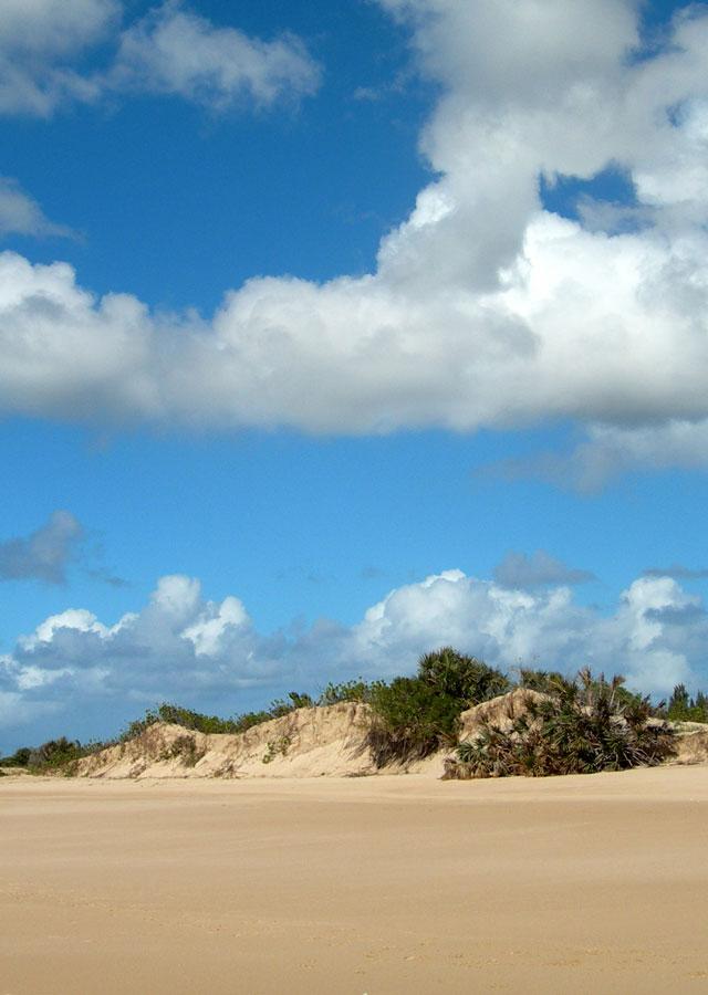 plage îles éparses océan indien